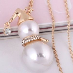 Snowman Pearl Necklace